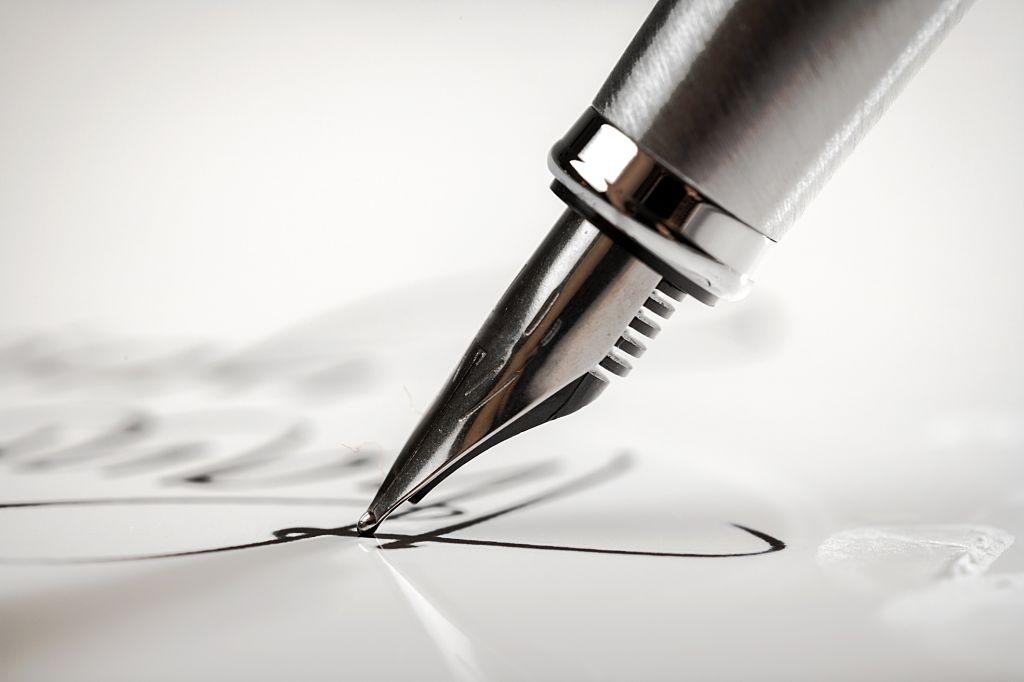 Thuyết minh về chiếc bút máy